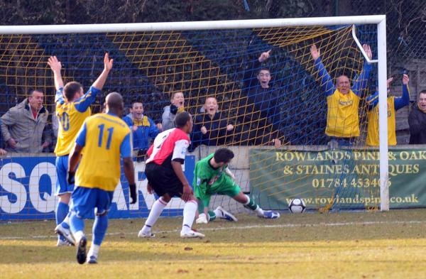 Staines 3 - Woking 0