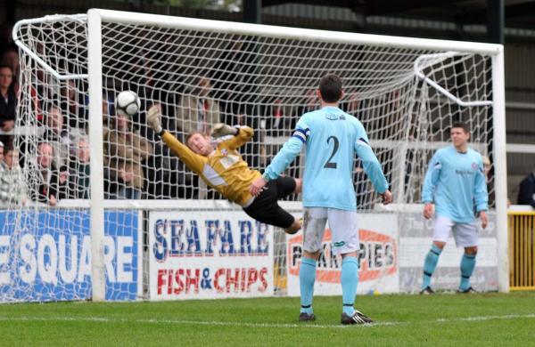 Woking 2 - Lewes 0