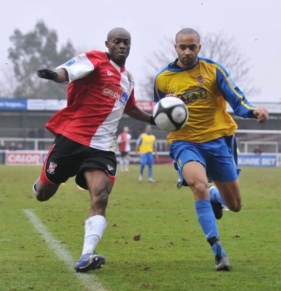 Woking 2 - Staines 0