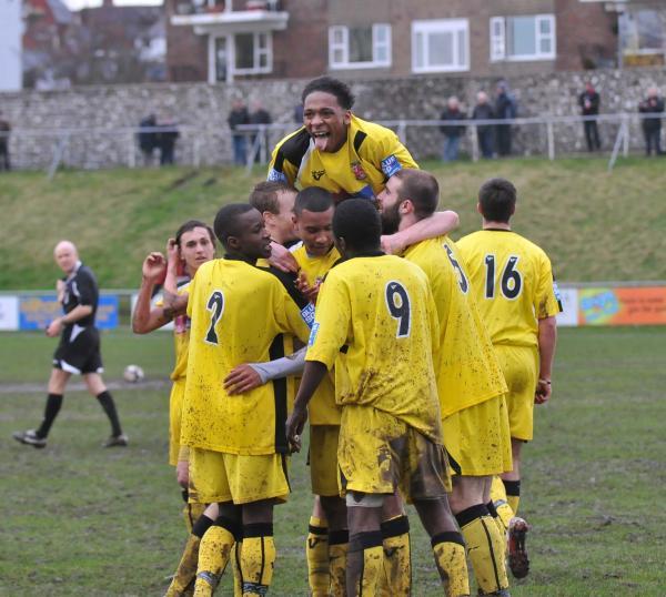 Lewes 0 - Woking 4