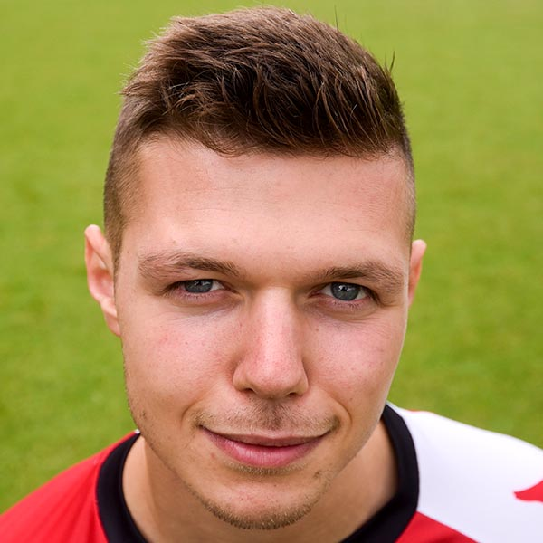 Dowse continues to play his Cards right; third turnaround in 6 for Woking
